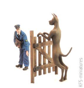1/35 Reichspost Worker & Dog