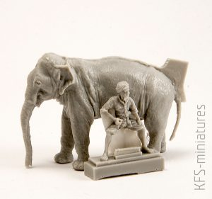 1/72 WW2 RAF Mechanic in India + Elephant with Mahout – CMK