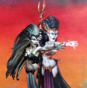 28mm Dark Elf Supreme Sorceress