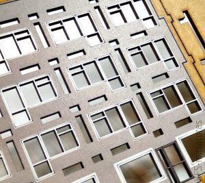 1/100 Blok z balkonami - Lasercut Buildings