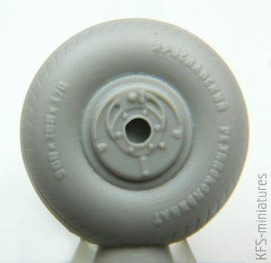 1/72 Pe-2 wheels - Eduard