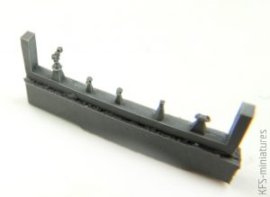 1/700 USS Des Moines CA-134 (Deluxe Edition) - Very Fire