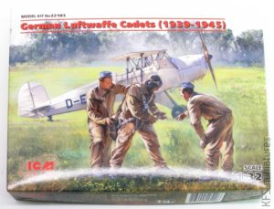 1/32 German Luftwaffe Cadets - ICM