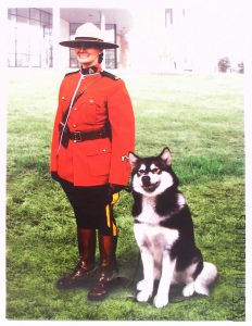 1/16 RCMP Female Officer with dog - ICM