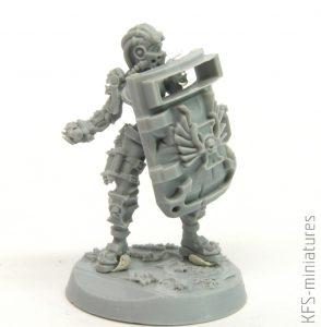 28mm Heresy Hunter Female Arbitrator - Grim Skull