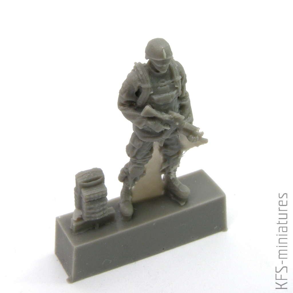 CMK 129-F72343-1:72 Two Kneeling Soldiers and Commanding Officer,US Army Infan