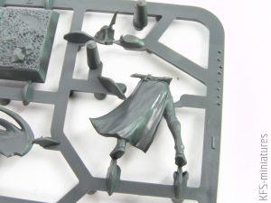 28mm Dark Elf Supreme Sorceress - Games Workshop